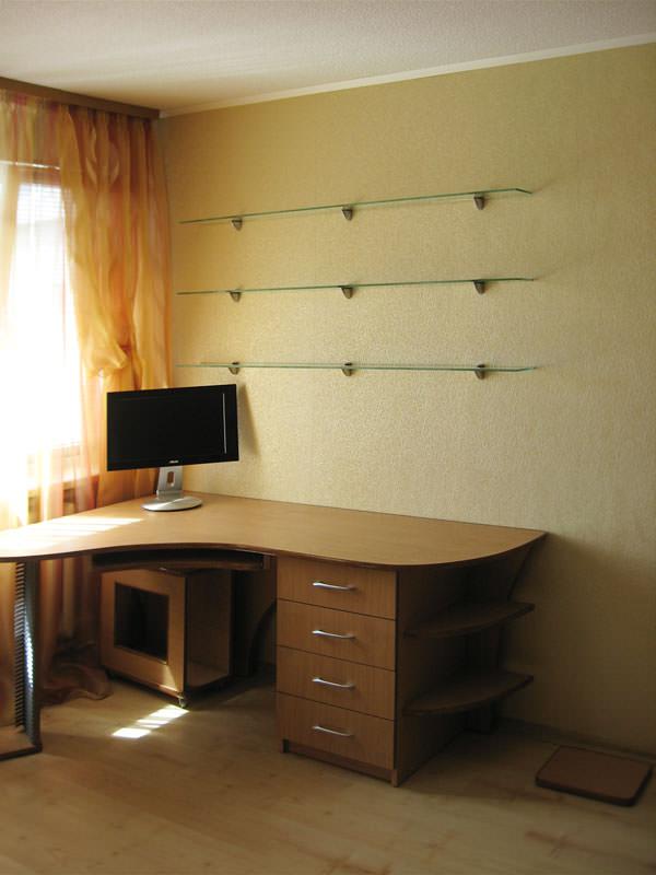 Полки для письменного стола - bengalwood.ru.