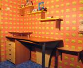 письменный стол в детской